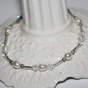 Beautiful silver pearl and blue bracelet adjust